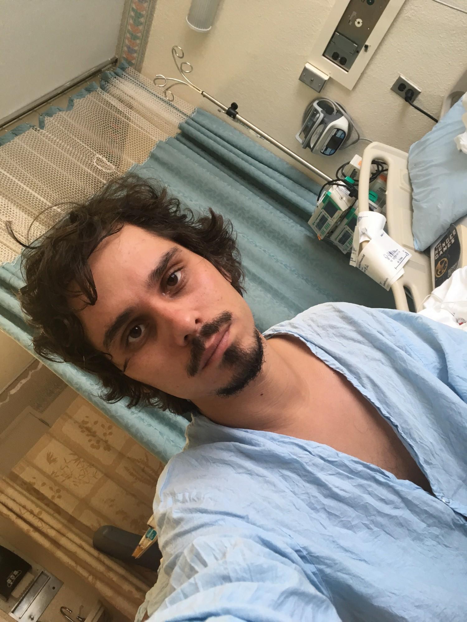 smotret-porno-vrachi-trahnuli-patsientku-v-palate-psihushki