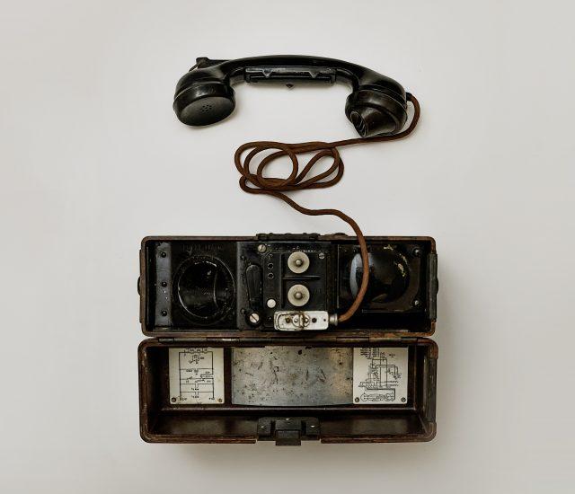 8e486d5c9d8a Журналист признается, что за последний месяц ответил на четыре-пять  звонков, а еще около 50 остались пропущенными. 80–90 % звонков с незнакомых  номеров ...