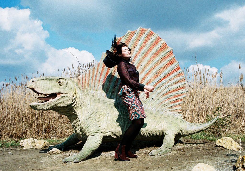 честь картинки прогулки с монстрами жизнь до динозавров кашляет из-за глистов