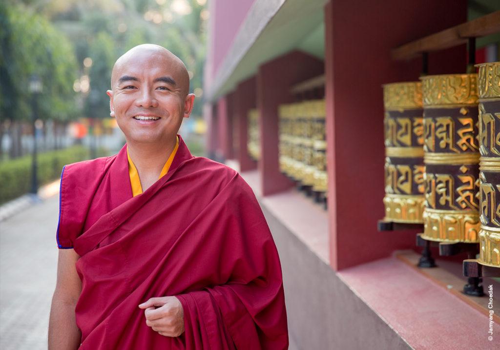 «Выспите, ивам снится борщ»: интервью слюбимым тибетским монахом нейробиологов Мингьюром Ринпоче онеправильном понимании медитации, нигилизме ипоиске околосмертного опыта вобыденной жизни