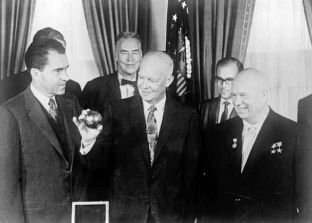 «Роскосмос» рассекретил данные о первой советской Лунной программе