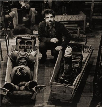«Гроб-арт» Вадима Сидура: в Москве открылась выставка, посвященная скульптору-авангардисту