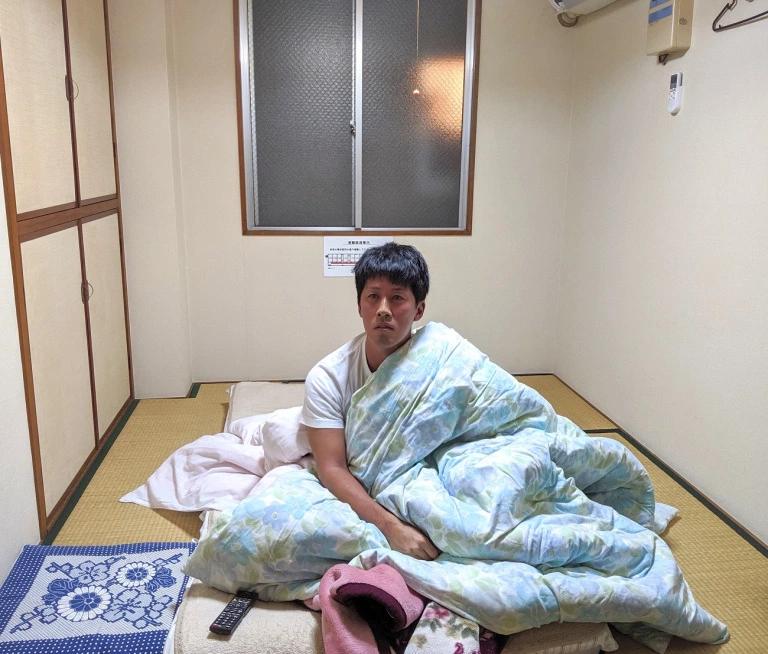 Японский отель предлагает снять номер за один доллар. С условием, что вас будут стримить на ютубе