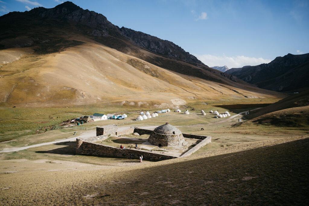 Puteshestviya 12 1024x683 - Караван идет: фотограф изЛондона проехал 40000км иповторил Великий шелковый путь